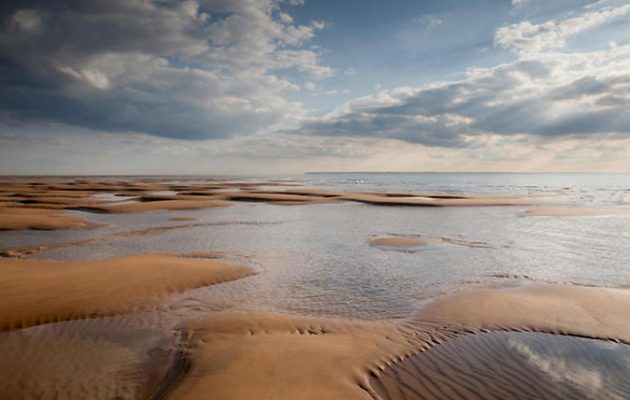 Country Life article – Bodies of sailors and airmen face being dredged up at Goodwin Sands