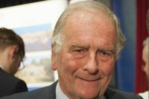 """Sir Roger Gale MP condemns """"cheapskate"""" plans to dredge Goodwin Sands"""
